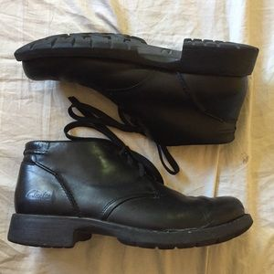 Clarks ankle boots 10.5 light weight black leather